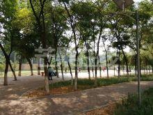东湖小区,房屋干净,临近东湖市场-休闲广场