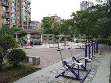北二路地铁口星摩尔旁-休闲广场