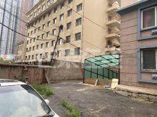 北站附近 两室两厅两卫 南向 装修好 家电家具全 价格可议-停车区域